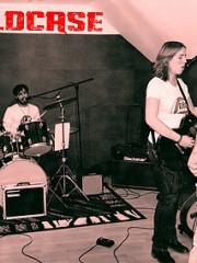 DÉCOUVERTE POP-ROCK : Coldcase + Linus Sams + Pyramyd